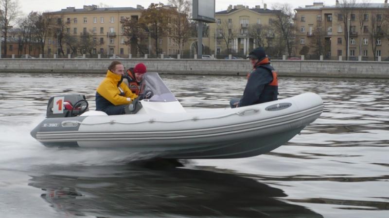 лодки с кормовым управлением